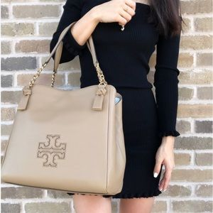 Tory Burch Harper Shoulder Tote in Camel tan